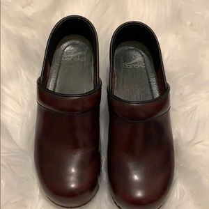 Dansko clogs 37 barely used